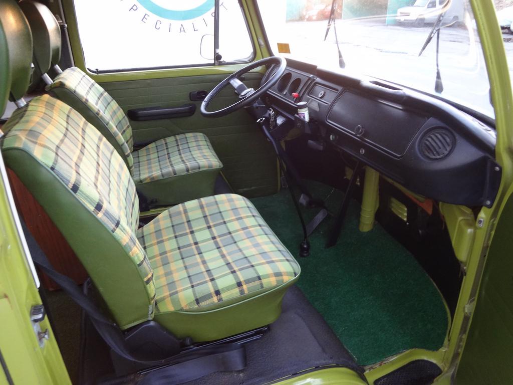 présentation de la cabine d'un combi VW