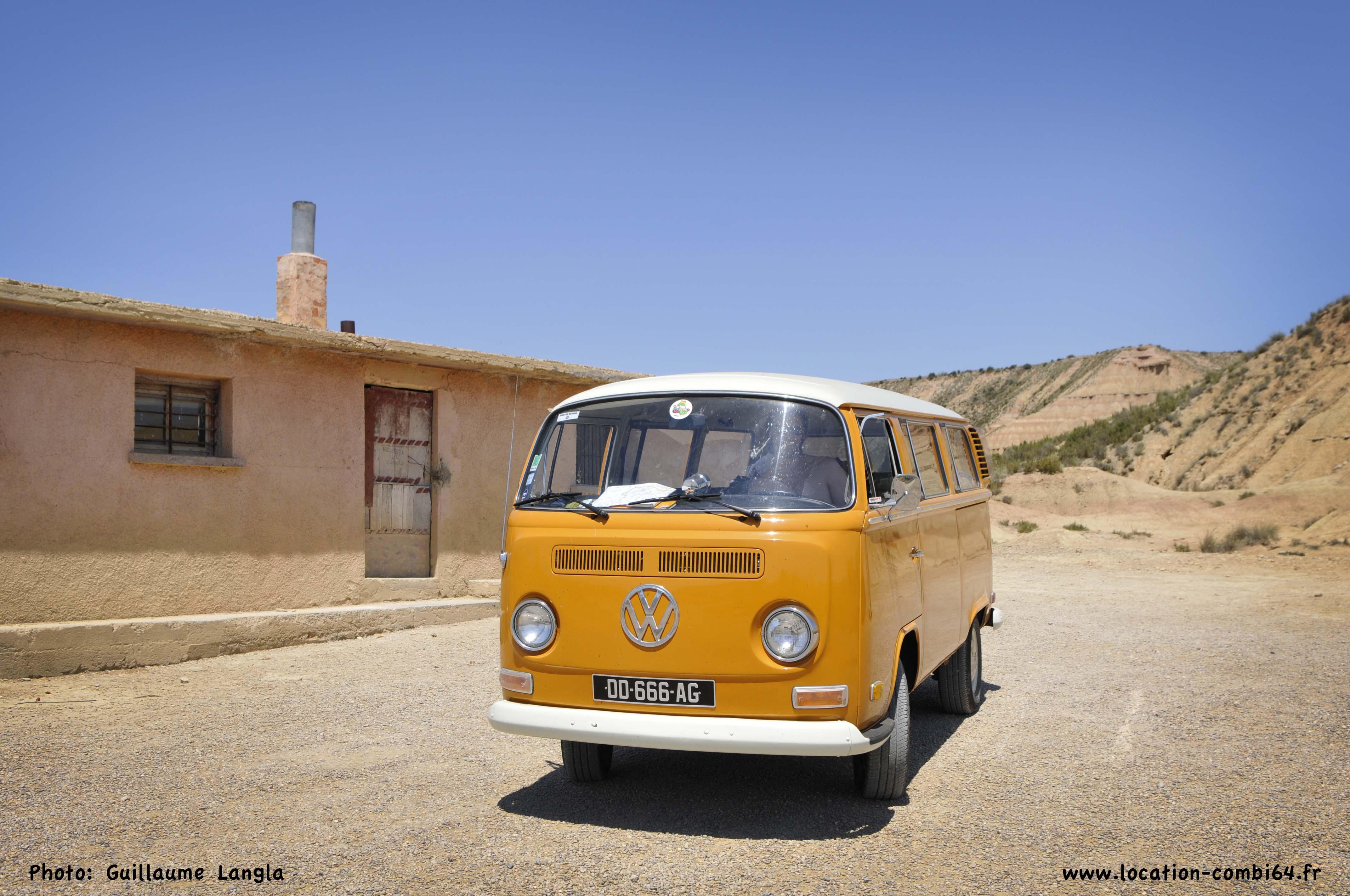 d d le diable combi minibus 9 places 1972 ici l bas partout. Black Bedroom Furniture Sets. Home Design Ideas